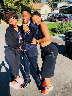 chloe x halle ( Black Girl Magic, Black Girls, Chloe Halle, Mommy And Son, Dreadlock Hairstyles, My Black Is Beautiful, Best Friend Goals, Brown Skin, Black Women Hairstyles