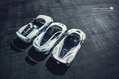 30 white #laferrari #mclaren p1 #porsche 918 top view http://www.sssupersports.com/2016/09/mclaren-p1-laferrari-porsche-918-white-suits/