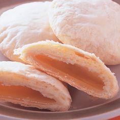 太陽餅(1) Chinese Deserts, Chinese Food, Pao Recipe, Sun Cake, Chinese Moon Cake, Donuts, Brownie Toppings, Asian Desserts, Pancakes And Waffles