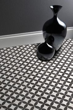 15 Awesome Black Floor Tiles Design Ideas For Modern Bathroom - Home Design - lmolnar - Best Design and Decoration You Need Ceramic Floor Tiles, Bathroom Floor Tiles, Wall And Floor Tiles, Ceramic Flooring, Vanity Bathroom, Modern Flooring, Kitchen Flooring, Flooring Ideas, Unique Flooring