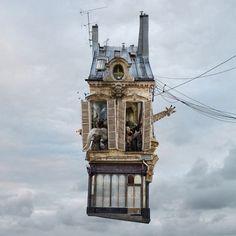 空飛ぶ家。ふわふわと浮遊するLaurent Chehereの作品シリーズ「THE FLYING HOUSES」   展覧会情報・写真・デザイン ADB