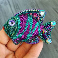 Bead Embroidery Jewelry, Beaded Embroidery, Hand Embroidery, Beaded Jewelry, Lesage, Beaded Brooch, Beaded Animals, Brooches Handmade, Beading Projects