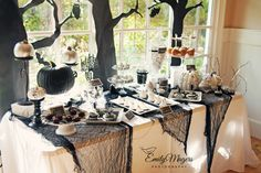I love this Halloween dessert table! #halloween #party