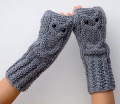 Hand knitted of a very good quality yarn (wool, alpaca and acrylic blend) these gloves will keep your hands cozy and warm during the cold season. hand-knitted It should be hand washed and laid flat to dry. Winter Must Haves, My Beautiful Daughter, Wrist Warmers, Scarf Styles, Daily Fashion, Fingerless Gloves, Elsa, Flannel, Knit Crochet