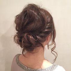 結婚式に参列されるお客様! 波ウェーブ&ねじねじでフワフワ!モコモコ!なアップスタイル(^^) #Agnos青山#表参道#青山#hair#nail#totalbeauty#l4l#arrange#hairarrange#外国人風#セミディ#ねじり#アップ#up#結婚式#二次会#おフェロ女子#モコモコ#ふわふわ#くしゅくしゅ#ゆるまとめ#柔らか#波ウェーブ#波ウェーブ巻き#ねじり編み込み#編み込み