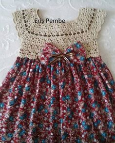 Continue to make your little one seem like a princess through these delightful and bright baby girl dresses baby dress pattern freeThis post was discovereThis Pin was discovered by M. Baby Dress Pattern Free, Baby Dress Patterns, Baby Knitting Patterns, Crochet Toddler, Baby Girl Crochet, Crochet Baby Clothes, Crochet Fabric, Knit Crochet, Vestidos Bebe Crochet