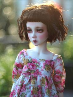 I love this doll's hair! If I cut mine again, I want this.