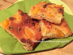 Kiosko di frutti di bosco: Peach and pistachio slice: la mia versione di un dolce di Bill Granger (my version of Bill Granger's Peach and raspberry slice)