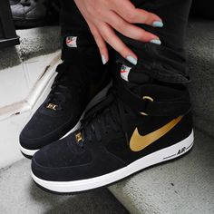 nike air force one black and gold