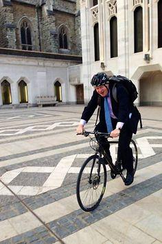 Prefeito e vereador de Londres ganham vale-transporte em vez de carro - 11/08/2013 - sãopaulo - Folha de S.Paulo