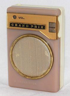 Tv On The Radio, Tv Radio, Pocket Radio, Retro Clock, Retro Radios, Antique Radio, Transistor Radio, Old Music, Old Tv