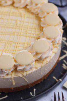 Milkybar Cheesecake! - Jane's Patisserie Pistachio Cheesecake, No Bake Lemon Cheesecake, Easy Cheesecake Recipes, Delicious Cookie Recipes, Dessert Recipes, Sweet Recipes, Baking Recipes, Baking Ideas, Gifts