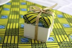 African inspired wedding gift # wedding sugar box # sugar coated almond … - Home Page African Wedding Theme, African Theme, African Wedding Dress, Wedding Themes, Ethnic Wedding, Wedding Candy Boxes, Wedding Favours, Wedding Gifts, Wedding Stationery