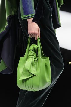 Trendy Handbags and Purses : Picture Description Giorgio Armani at Milan Fashion Week Fall 2017 – Details Runway Photos Giorgio Armani, Emporio Armani, Purses And Handbags, Leather Handbags, Leather Bag, Trendy Handbags, Green Leather, Sacs Design, Bags 2017