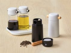 Kitchen by Thomas is kitchenware that expands beyond the traditional dinner table. Id Design, Shape Design, Design Shop, Ceramic Tableware, Ceramic Art, Kitchenware Set, Herb Pots, Contemporary Ceramics, Mortar And Pestle