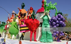 Fruit Costumes, Any Images, Rough Cut, Still Image, Christmas Ornaments, Holiday Decor, Projects, Log Projects, Blue Prints