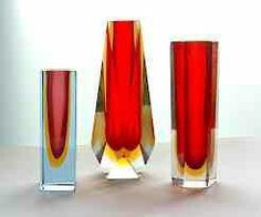 Italy again. This time in the form of some crisp glassware. These vibrant, geometric vases are from Murano. Art Nouveau, Big Vases, Clear Vases, Murano Glass Vase, Black Vase, White Vases, Glas Art, Vase Design, Paper Vase