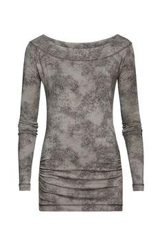 Damesmode Expresso Top Juri is het elegante, chique zusje van de klassieke longsleeve. Hij is gemaakt van een zachte jersey met een militairachtig vlekkendessin in verschillende groentinten, MEER  http://www.pops-fashion.com/?p=13576