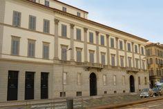 -- Via Cusani 5, Milano: Palazzo Cagnola --  La splendida facciata di Palazzo Cagnola