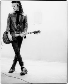 Robin Finck of nine inch nails. ahhh, the 90's industrial goth look. oh, how I love... <3
