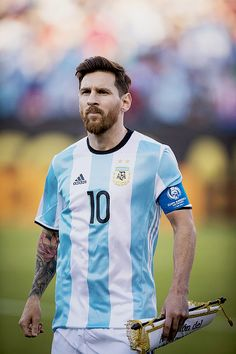 """Argentina national team Captain Lionel Messi during the 2016 Copa America Centenario quarterfinal match against Venezuela at Gillette Stadium on June 2016 in Foxborough, Massachusetts. Lionel Messi Barcelona, Fc Barcelona, Steven Gerrard, Premier League, Copa America Centenario, Messi Argentina, Argentina National Team, Leonel Messi, America's Cup"