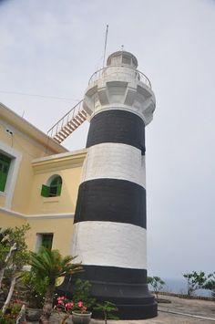 Hòn Lớn #lighthouse [1890 - Hòn Tre Island, Khánh Hòah, #Vietnam] http://dennisharper.lnf.com/