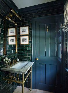 Bathroom Styling, Bathroom Interior Design, Dark Green Bathrooms, Green Bathroom Tiles, Dark Tiled Bathroom, Subway Tile Bathrooms, Colorful Bathroom, Master Bathroom, Green Subway Tile