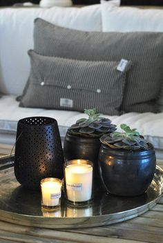 Love thise little plants. And of course the candles, who doesnt?
