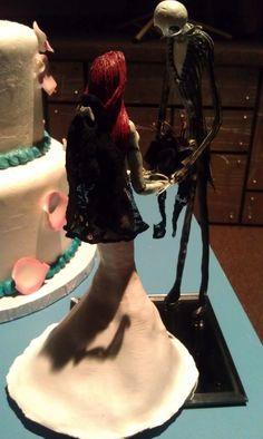 "Rachel's Perplex-Files: Nightmare Before Christmas Wedding Cake ""Topper"" Halloween Wedding Cakes, Christmas Wedding Cakes, Wedding Things, Wedding Stuff, Fall Wedding, Dream Wedding, Nightmare Before Christmas Wedding, Disney Weddings, Gothic Wedding"