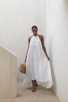 Gauze Dress, Dress Skirt, Dress Up, Style Minimaliste, Nouveau Look, Summer Outfits, Summer Dresses, Facon, Minimal Fashion