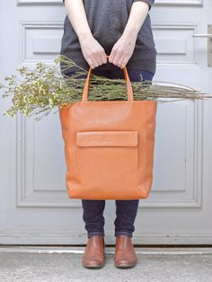 Tote bag Caramel - LOST & FOUND accessoires Leather Backpack, Leather Bag, Lost & Found, Pouches, Caramel, Backpacks, Tote Bag, Bags, Fashion