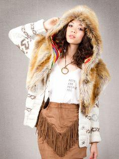 "SpiritHoods SPIRIT HOOD ""RED FOX"" - Peruvian Faux Fur Shawl"