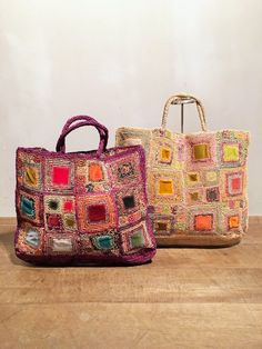 Amazing and absolutely stunning work of Sophia Digard for today's Visual Diary! Her creations transform crochet to art, in accessories terms! Freeform Crochet, Crochet Art, Crochet Handbags, Crochet Purses, Fabric Bags, Fabric Basket, Market Bag, Shopper, Knitted Bags
