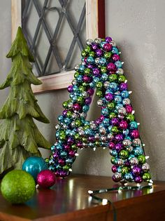 Vif et festif   Canadian Tire http://www.canadiantire.ca/inspiration/fr/living/canvas/christmas-decor-collection/brights.html