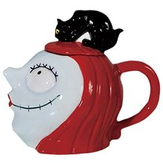 "Westland Giftware 32-Ounce Ceramic Teapot, 7.5-Inch, Disney Nightmare Before Christmas Sally with Cat.  Teapot measures 7.5"" high and has a 32oz. capacity.  High quality ceramic design; functional and decorative.  Officially licensed Disney product & design.  A great collector's gift.  Not dishwasher or microwave safe.   https://www.amazon.com.mx/dp/B00KIW1YU0/ref=cm_sw_r_pi_dp_x_S8L.ybZ1BWEJ9"
