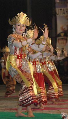 Tari Sembah from Sumatera