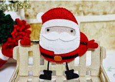 Adornos en fieltro Navideños para el árbol ~ lodijoella Reno, Projects For Kids, Elf On The Shelf, Dyi, Christmas Stockings, Decoration, Holiday Decor, Home Decor, Xmas