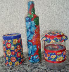 Garrafa forrada com Chita Diy And Crafts, Arts And Crafts, Color Of Life, Drinking Tea, Diy Gifts, Art For Kids, Decoupage, Mason Jars, Crochet