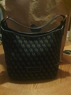 Look what I found on @eBay! Large Signature Julia bag by Dooney & Bourke Black http://r.ebay.com/THaHRB