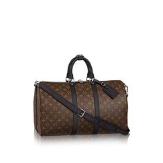 Discover Louis Vuitton Keepall 45 Bandoulière: This ever popular iconic Louis Vuitton design is ideal for the busy style-conscious man. Its roomy size and adjustable shoulder strap are perfect features for work, leisure or travel. Louis Vuitton Keepall 45, Louis Vuitton Usa, Vuitton Bag, Vintage Louis Vuitton, Louis Vuitton Speedy Bag, Louis Vuitton Monogram, Lv Handbags, Louis Vuitton Handbags, Fashion Handbags