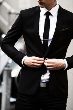 Classic man black suit and white shirt/ Men's fashion 2019 photo image Mode Masculine, Sharp Dressed Man, Well Dressed, Terno Slim, Moda Formal, Style Masculin, Look Man, Mens Fashion Blog, Men's Fashion