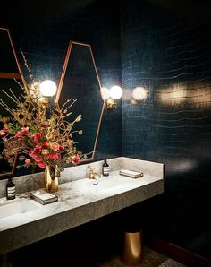restaurant bathroom Ken Fulk Designed the Gorgeous Legacy Records Restaurant amp; Boho Bathroom, Bathroom Trends, Bathroom Colors, Bathroom Sets, Bathroom Renovations, Bathroom Makeovers, Bathroom Wall, Small Bathroom, Decorating Bathrooms