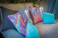 Têxteis | Textiles | Almofadas | Cushions | Pillows | Bird | Prints | Colorfull