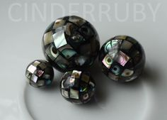 Abalone Paua Shell Round Ball Beads,Mosaic Beads,Mother of Pearl Beads,MOP Beads,Inlay Paua Shell, Abalone Shell, Abalone Jewelry, Shell Flowers, Natural Shapes, Mosaic Patterns, Pearl Beads, Natural Gemstones, Green Colors