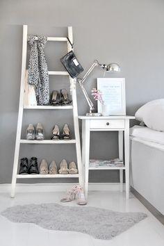 Estante de zapatos en forma de escalera