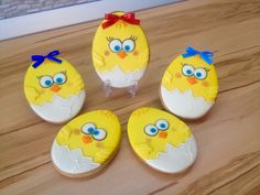 Одноклассники Cute Cookies, Easter Cookies, Easter Treats, Yummy Cookies, Diy Holiday Gifts, Ginger Cookies, Royal Icing Cookies, Cookies Et Biscuits, Cookie Decorating