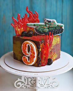 Паровозы сменились танками, племянник повзрослел😜 огонь из изомальта🔥, пряники от @mariyalipp #ryki_mastera #veraessen #entrenafesta #desserts #dessert #food #foods #foodporn #instafood #sweet #sweets #mmm #foodgasm #delicious #foodforfoodies #sweettooth #chocolate #facsantos #cake #cakeideas #cakes #encontrandoideias #cakedecorating #cakedesign #cakestagram #cakeporm #торт #тортназаказбалашиха #тортназаказмосква #тортбезмастики
