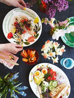 Create a beautiful and colorful summer garden party with dinnerware from Brittany Jepsen for Twig NY. Welcome Home Parties, Buffet, Fancy, Party Entertainment, Decoration Table, Summer Garden, Summer Recipes, Party Recipes, Holiday Parties