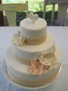 wedding / engagement cake. #wedding #hessian #cake #fondant #rustic #love #pearls #emilyandtate