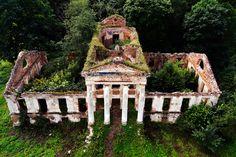 Mansion ruins on Cumberland Island